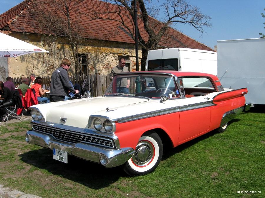 Выставка исторических автомобилей